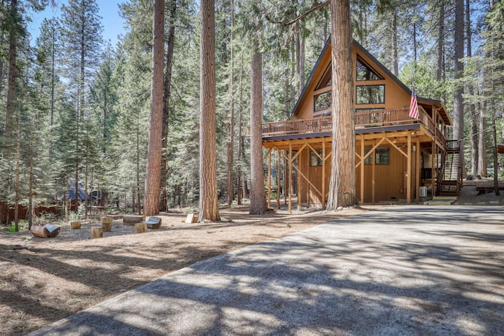 Dog-friendly mountain chalet w/ game room, private hot tub, shared sports courts