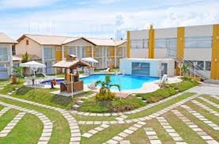 Casa em condomínio com piscina a 100m da praia - Porto Seguro - Pis