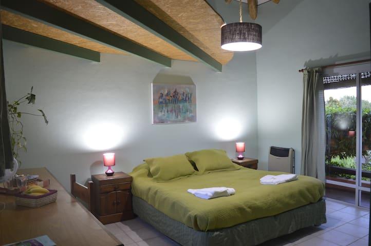 Habitación Privada, Chacras de Coria