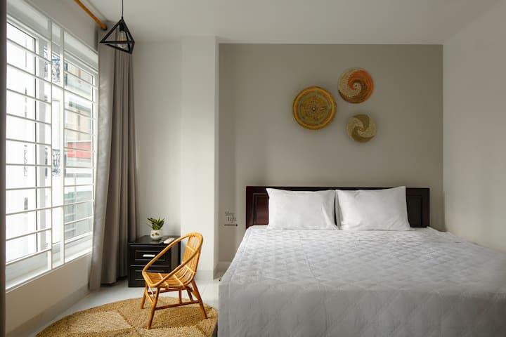 Livin' Hub - Center Deluxe Apartment