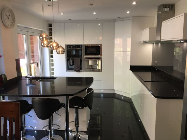 Luxury North Cardiff Detached House