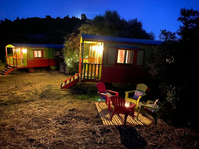 2 Tiny houses/ bohemian wagons /roulottes w. pool