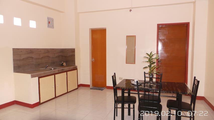 (2D) 1 BR Condo in Batangas City w/ elevator