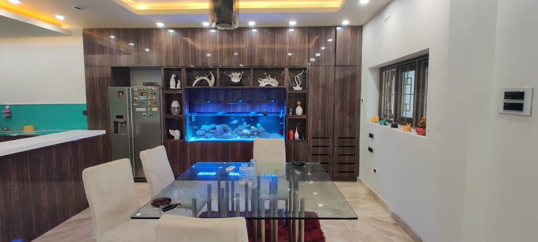 Luxurious Home near Chennai Governor Bungalow