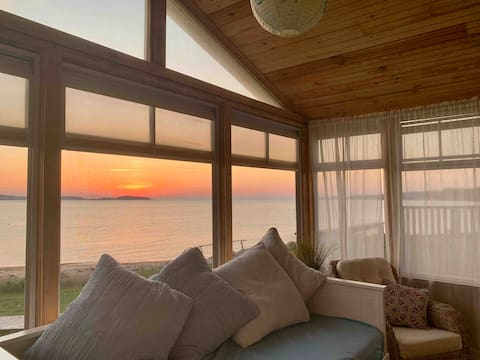 Family friendly sandy beach front cottage