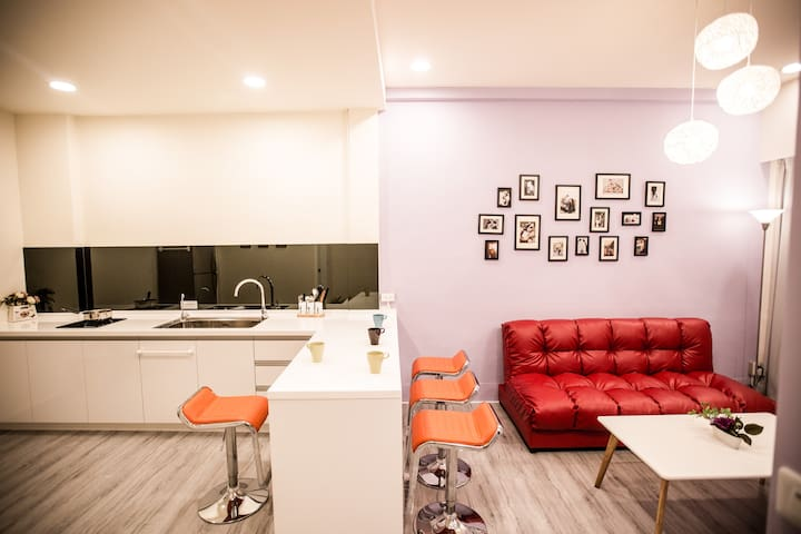 Tainan DT SweetHome FLAT,Attractions 1min walking!
