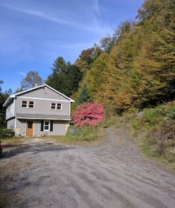 3 Bedroom 2 Bath Private Rustic Experience