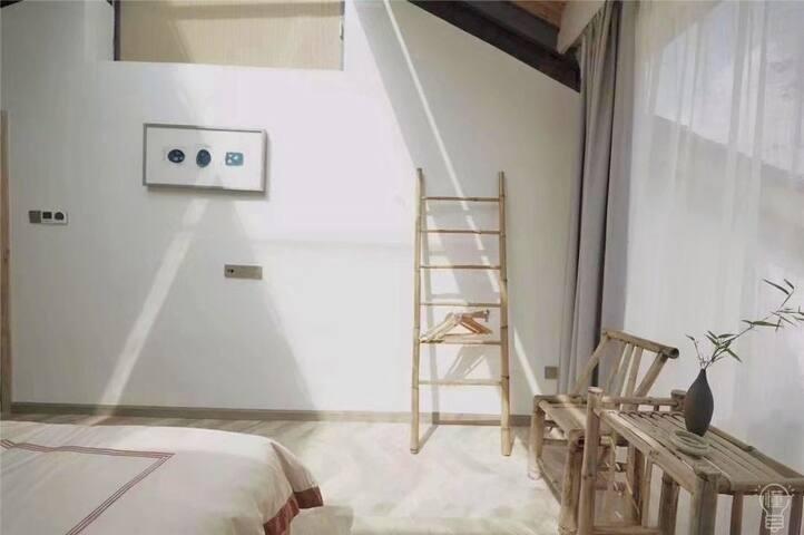 雲湖仙境星空阳台大床房