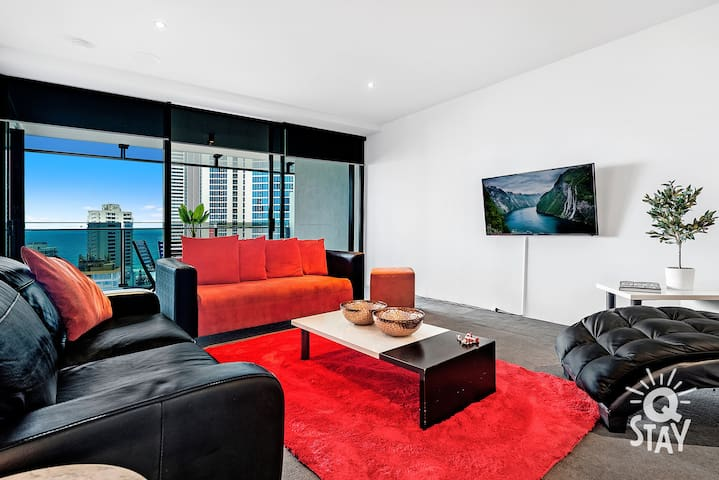Floor to ceiling windows allow spectacular views to be enjoyed from the living room