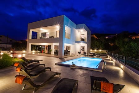 Beautiful Luxury Villa Rina  Crikvenica ***** - Crikvenica - Villa