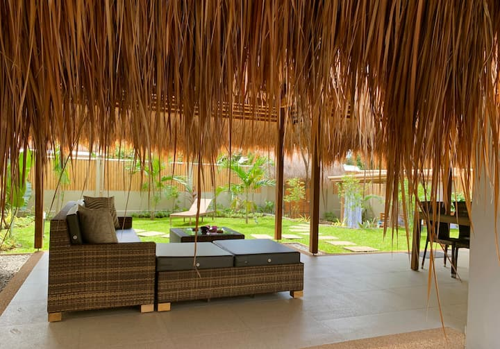 Halamanan Villa Manga w/ priv.garden & common pool