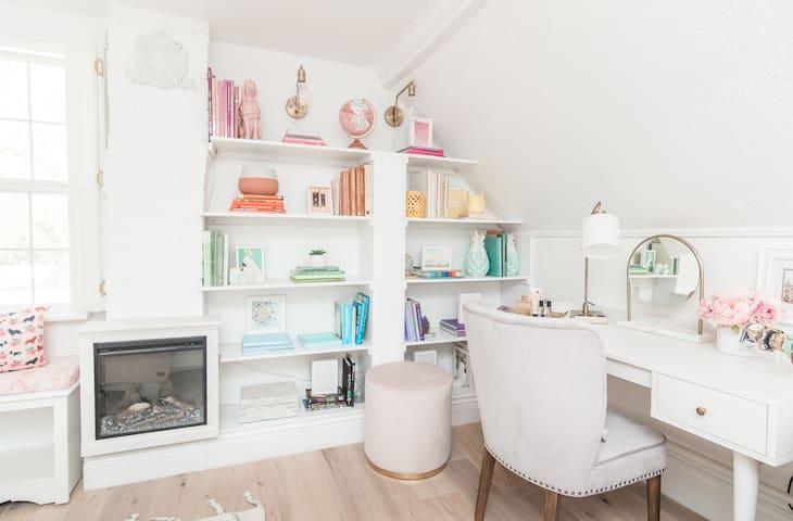 Fairview Cottage- Bedroom 3 Vanity/ desk, fireplace, rainbow shelves
