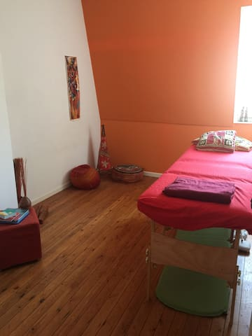 Private room Ghent & Massage - Gent - House