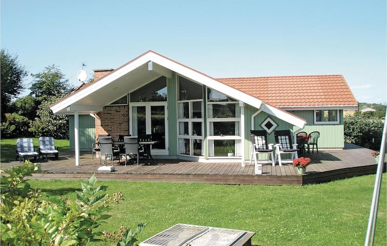 Holiday cottage with 3 bedrooms on 91m² in Humble