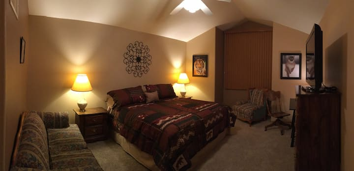 Spacious Master suite in NW Longmont