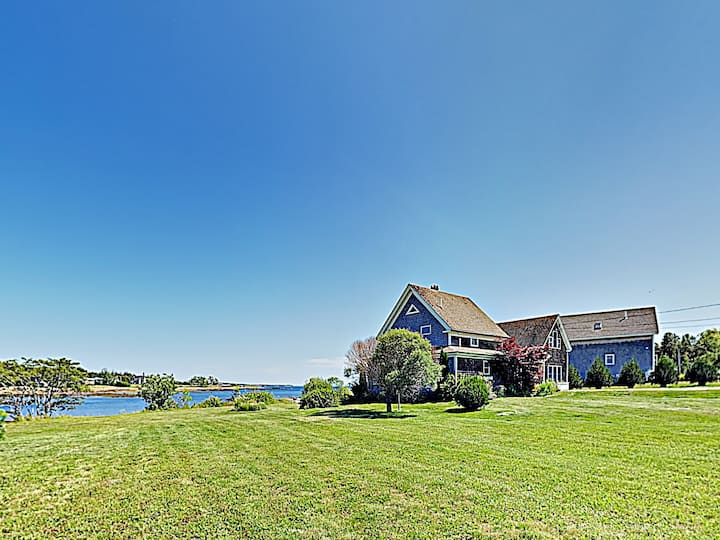 Waterfront Cottage with Deck & Grill - Near Acadia