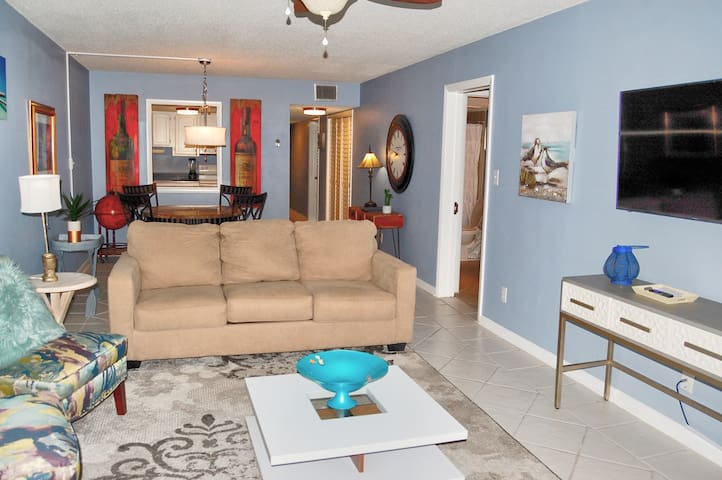 Ocean View Towers 1C Beautifully decorated condo across the street from beach and close to many attractions
