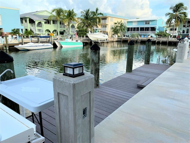 Little Pearl a Precious 2 /1 bath Home in Key Colony w Dock & Cabana Club included!!