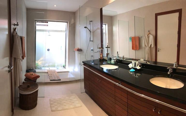 """Phuket """"Villa Saffron""""  3 bedroom 2 bathroom Pool - Choeng Thale - Villa"""