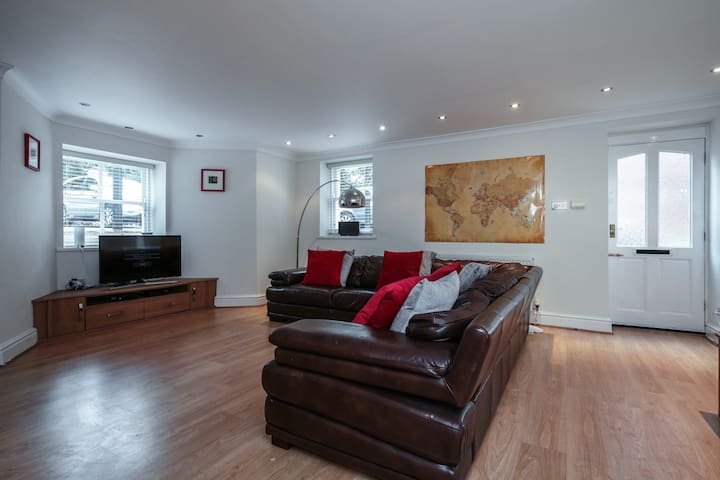Sefton Park Apartment - Private Entrance