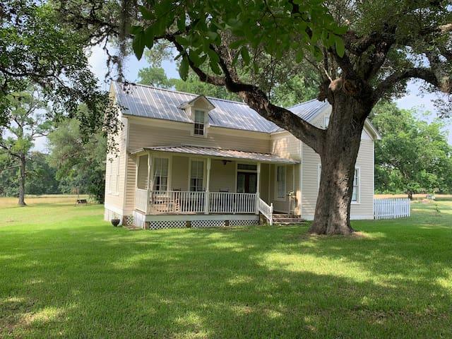Gray Moss Farm - Round Top, Texas