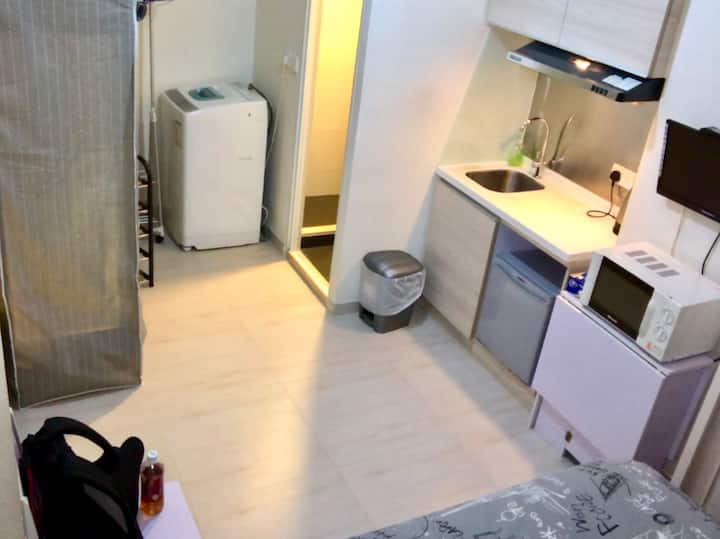 Quarry Bay Fully Furnished En-suite/ Studio Flat 2