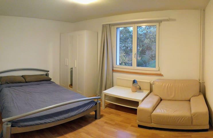 Cozy room in Goldach