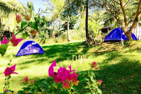 Glamping next to nature (4 tents) - Batangas