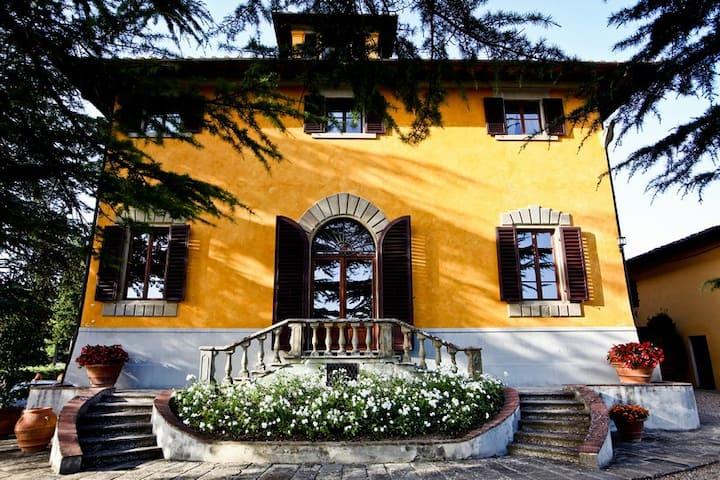 Villa Medicea Poggio Bartoli - 30 guests