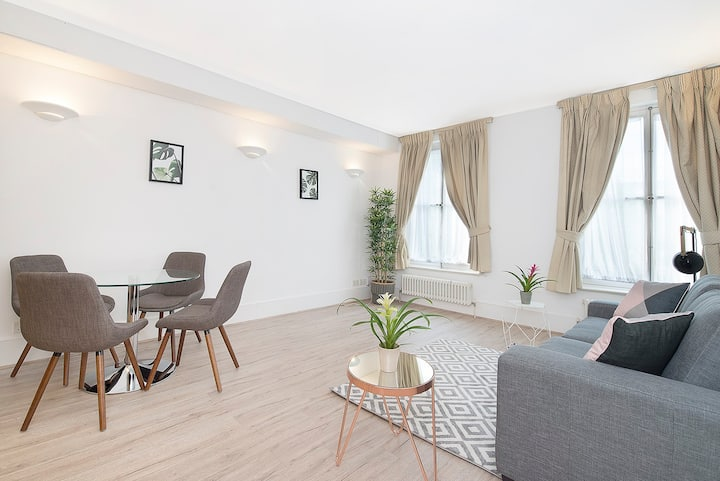 Bright and beautiful Kensington apartment 30GC
