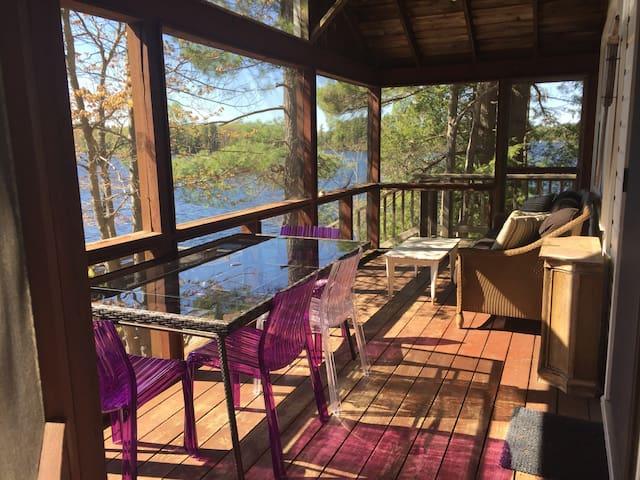 4 Bedroom Classic Cottage, Pristine Muskoka Point