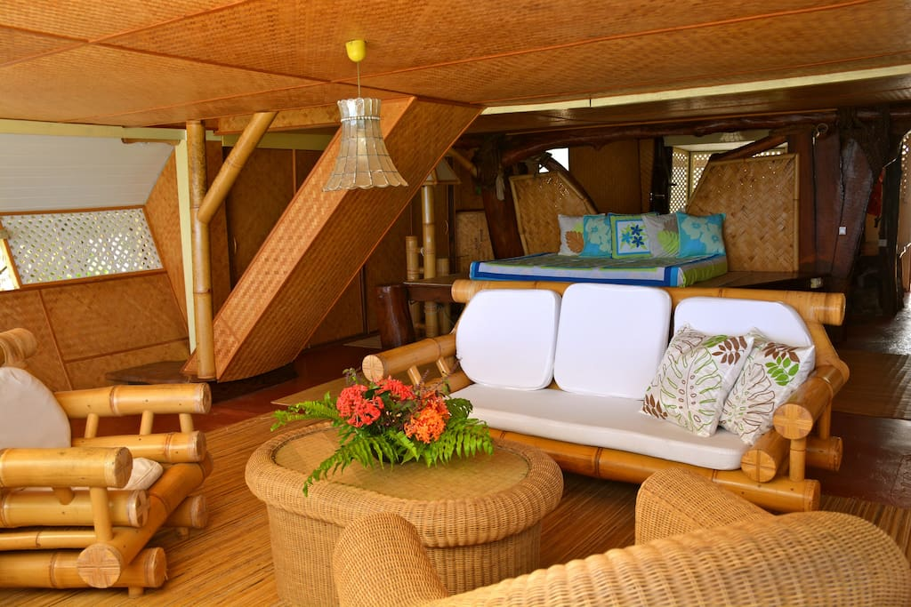 Living room / Salle de séjour