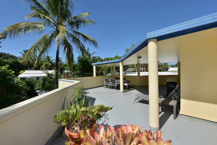 Seascape Holidays - Apt 11 Marina Terraces