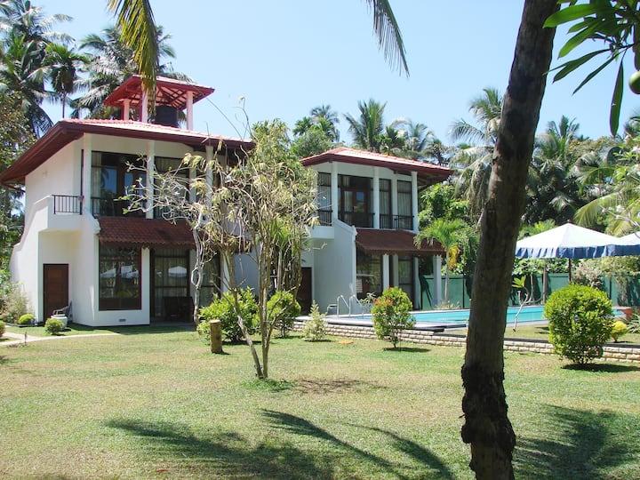 Villa Estuary Induruwa Benthota