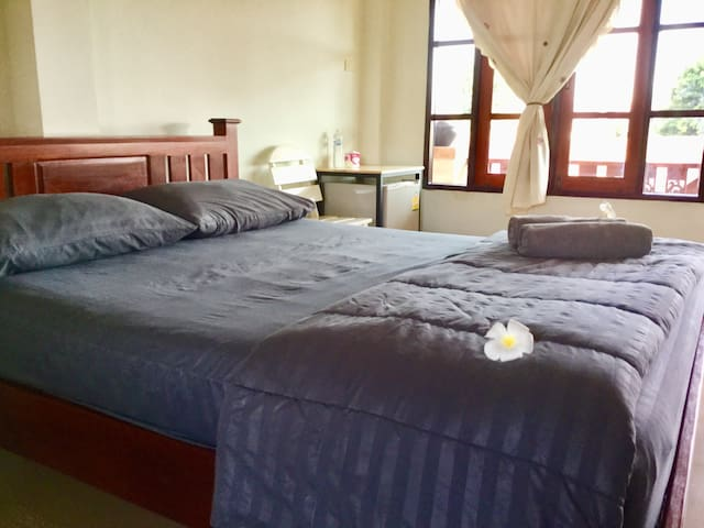 Thai guesthouse Queen bed