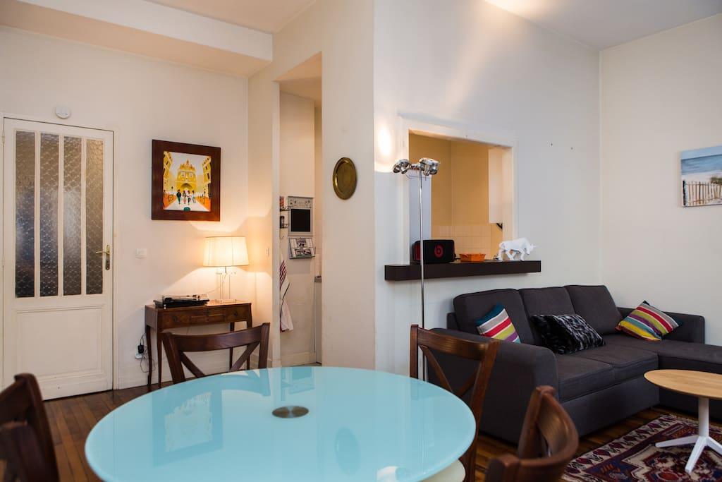 T2 spacieux hypercentre 50m2 appartements louer for Location appartement bordeaux t2