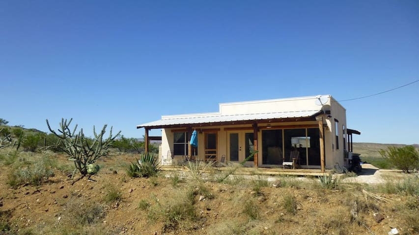 Crystal Valley Cabin: Modern-Rustic Style&Comfort
