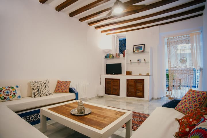 Elegant and marvelous Sevillian house with terrace