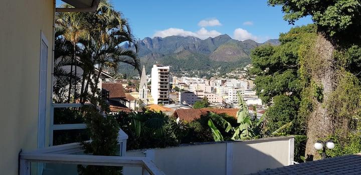 """""""Sossego em Teresópolis- casa com 3 suites """""""