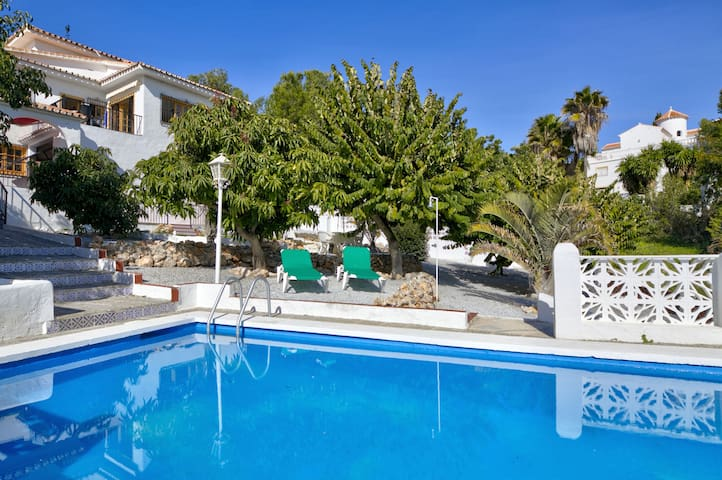 Best villa jardin frigiliana photos awesome interior home satellite - Casa rural el tomillar ...