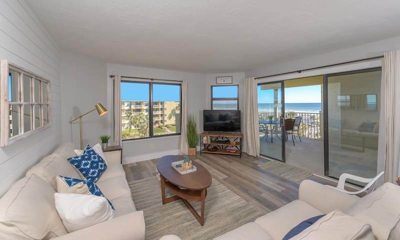 Beautifully updated condo with an OCEAN VIEW!!!