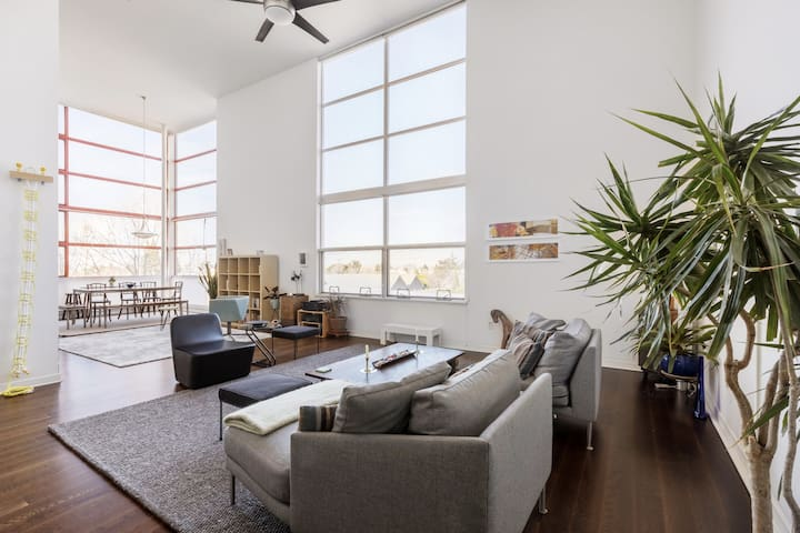 Spacious Bright Open Loft near Pixar/Bart/AcTrans