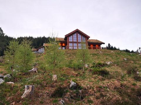 Cabin in beautiful surroundings at Harpefossen