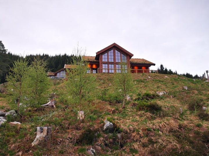 Cabin in beautiful surroundings at Harpefossen
