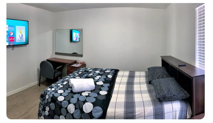Upstairs Bedroom with one double Bed-Room 2