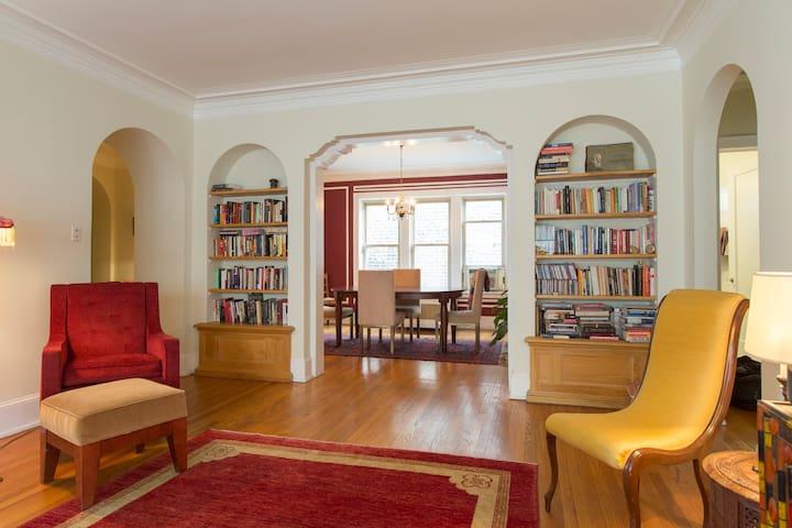 Super Charming Top Floor Vintage Apartment Appartements