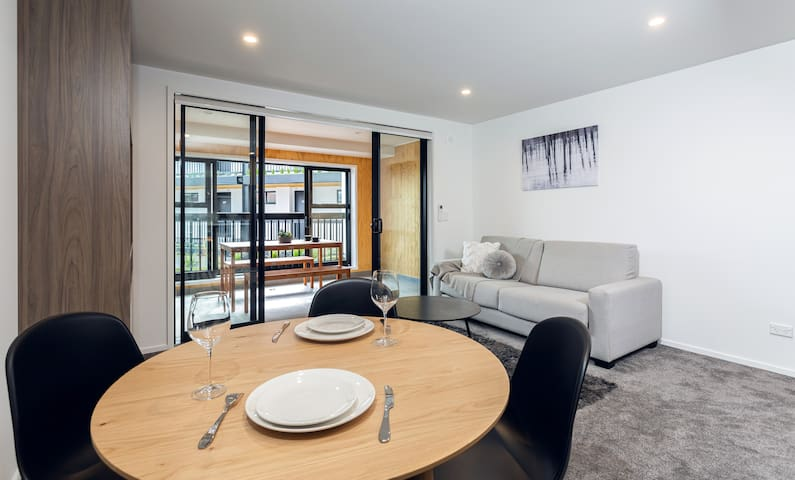 Central City Getaway - Hagley Park Apartment