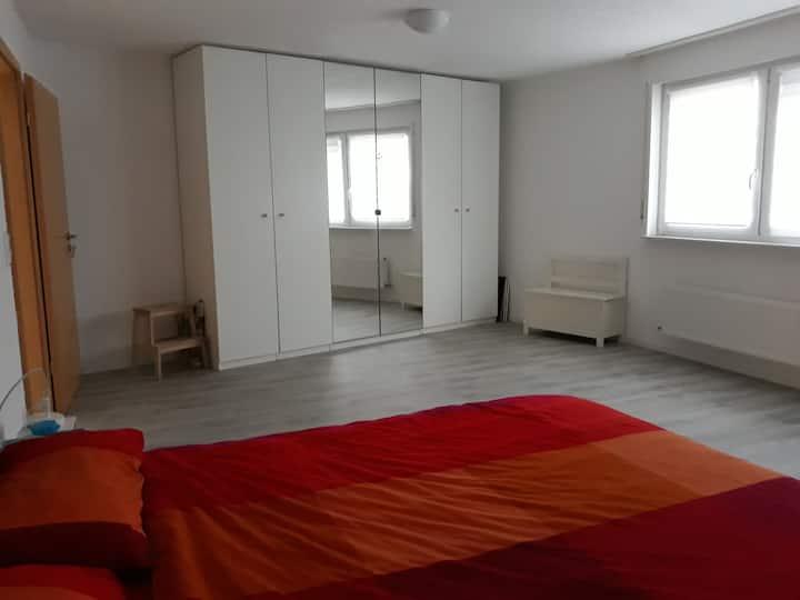 Stanza privata in appartamento a Wiesbaden
