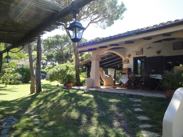 Villa Stella Close to the Beach with Wi-Fi, Air Conditioning, Garden & Terrace; Parking Available