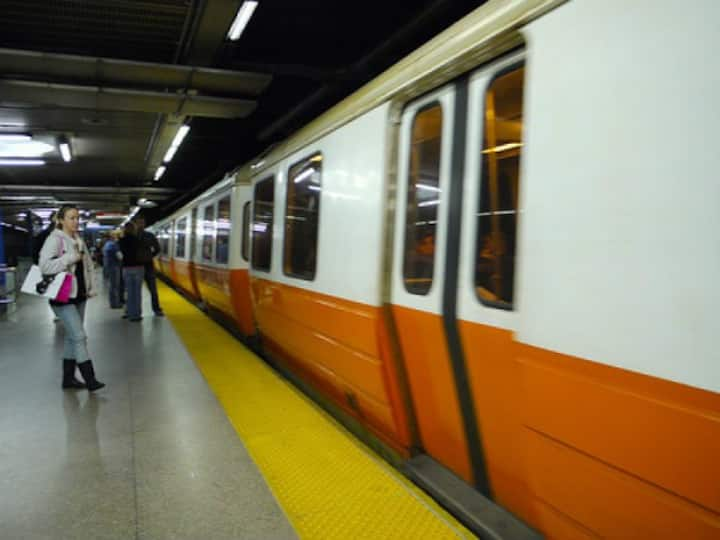 Near Orange Line Renovated Clean AC Easy Parking
